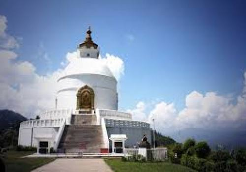 Day hiking World peace pagoda